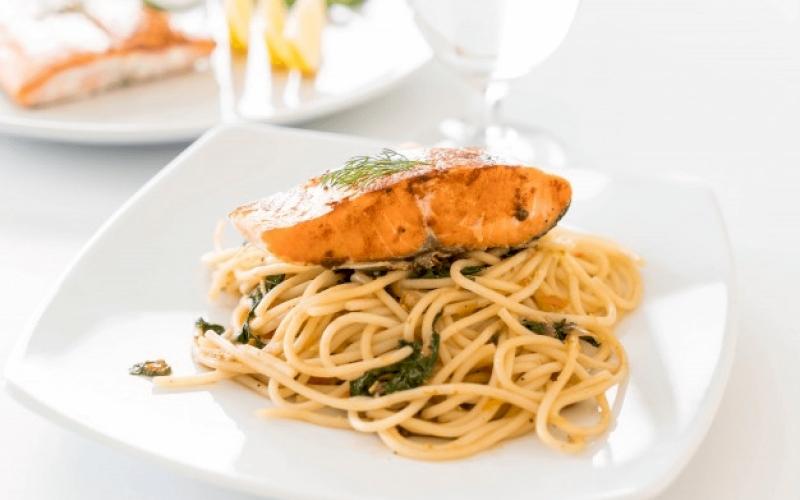 Resep Pasta Gurih dengan Salmon